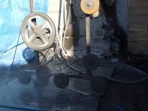 重力式擁壁のワイヤーソー切断