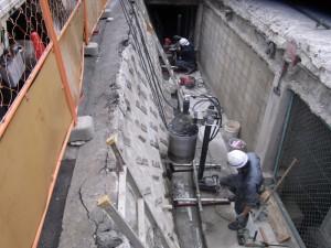 コンクリートに穴をあける