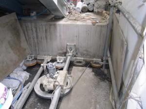 ワイヤーソーによる、階段基礎切断