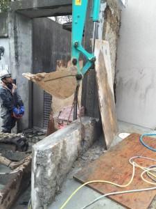 コンクリート壁の撤去